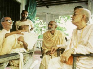<h3> Srila Prabupada with Srila Sridhar Maharaja in Sri Chaitanya Saraswat Math</h3>