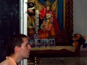 <h3> Tyagi Maharaja addressing devotees</h3>