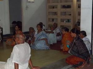<h3> Devotees listening the lecture in natmandir</h3>
