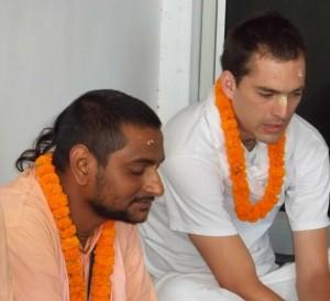 <h3> Sripad Dinabandhu Prabhu from CA, USA speaking hari katha</h3>