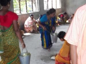 <h3> Local visitors honouring mahaprasadam</h3>